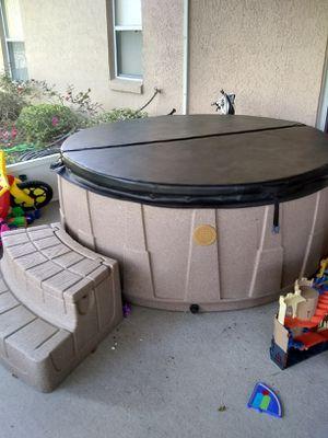 Dream Maker Spa / Hot Tub for Sale in Groveland, FL