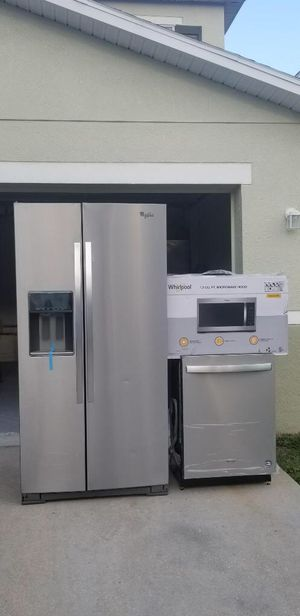 New Whirlpool Appliance Set for Sale in Dade City, FL