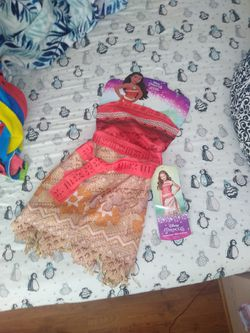 Kids size 4-6 moana outfit (ages 3+) for Sale in Alameda,  CA