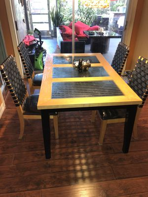 kitchen table for Sale in Hollywood, FL