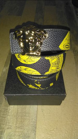 2020 Versace belt for Sale in Lanham, MD