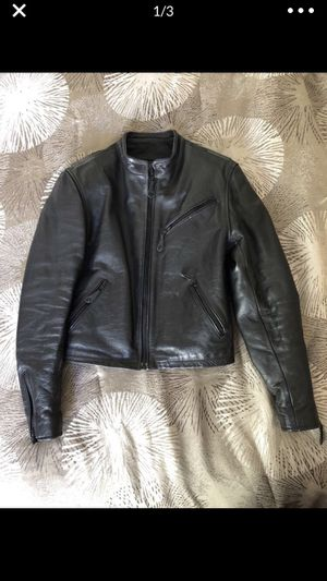 WOMENS LEATHER MOTORCYCLE JACKET for Sale in Concord, CA