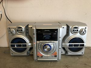 Panasonic SA-AK330 5 CD Bookshelf Stereo System Dual Cassette for Sale in Los Angeles, CA