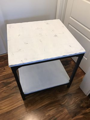 Farmhouse/Shabby Chic Side Table for Sale in Enumclaw, WA