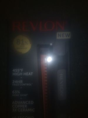 Revlon pro collection hair straightener for Sale in Portland, OR