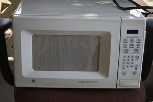 small GE Microwave for Sale in Kissimmee, FL