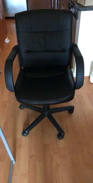 Study table + office chair for Sale in Chevy Chase, MD