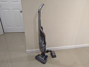Hoover Cordless 2-in-1 Deluxe Vacuum Cleaner for Sale in Chantilly, VA