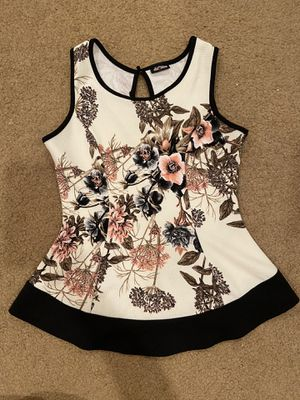 Floral Peplum Top Size Sm for Sale in Las Vegas, NV