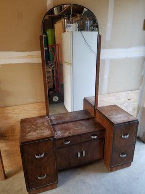 Antique dresser for Sale in Reedley, CA