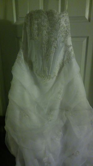 Plus size wedding gown for Sale in Charlotte, NC