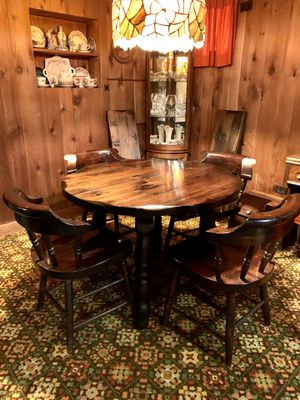 Solid wood round dining table and 4 chairs with leaves for Sale in Westbury, NY