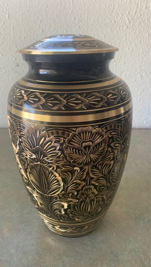 Urn for Sale in Anchorage, AK