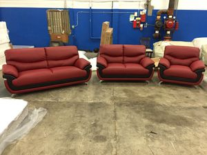 Modern style leather three piece couch set for Sale in Lakewood, WA
