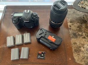 Nikon D300 with battery grip and lens!! for Sale in Arvada, CO