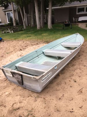 12 foot Smoker craft row boat. Rated 7.5 outboard for Sale in Glen Arbor, MI