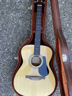 Alvarez Acoustic Guitar for Sale in Dundee,  OR