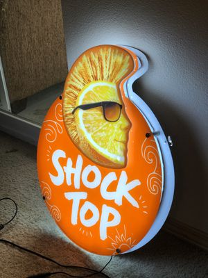 Shock top beer sign / round table pizza SH remodel for Sale in Puyallup, WA
