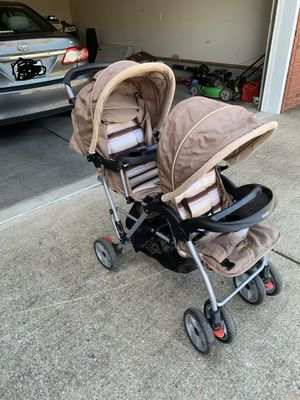 Double stroller for Sale in Smyrna, TN