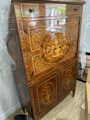 Lighted 1940s bar cabinet for Sale in Beverly Hills, CA