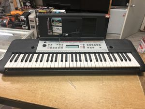 YAMAHA Ypt260 61-Key Portable Keyboard With Power Adapter ...... for Sale in Baltimore, MD