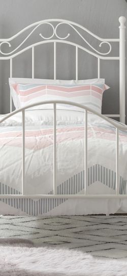 Twin Metal Bed Frame for Sale in Las Vegas,  NV