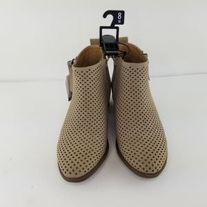 Time and True Womens Boots Taupe Sz 8W Memory Foam Comfort for Sale in Jacksonville, FL