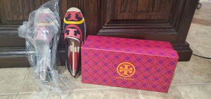 Tory burch shies sizes 6.5 for Sale in Riverside, CA