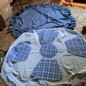 2 Round Tablecloth's for Sale in Catonsville, MD