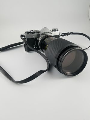Olympus OM-1 MD 35mm vintage film camera with 28-90mm f2.8 Macro lens for Sale in San Bernardino, CA
