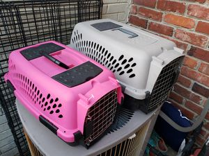 Pink dog crate 20 dollars for Sale in Brentwood, TN