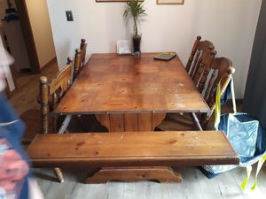 KITCHEN TABLE WITH 4 CHAIRS for Sale in Lake Wales, FL