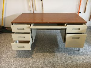 Steel case desk in very good condition. $75.00 for Sale in Bolingbrook, IL
