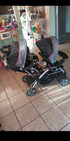 Double Stroller for Sale in Compton, CA