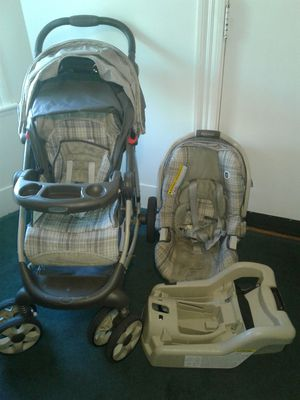 Graco stroller with the car seat for Sale in Everett, MA