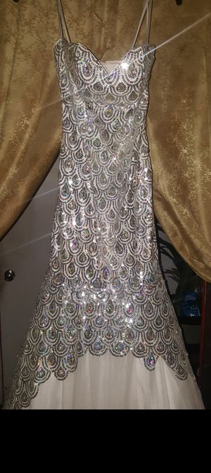 Anny lee gown xs for Sale in Augusta, GA