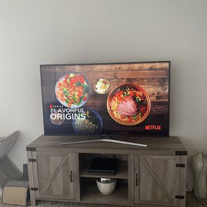 PENDING SELL - Samsung 55-Inch 4K Ultra HD Smart LED TV for Sale in Marina del Rey, CA