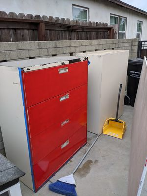 Free filing cabinets for Sale in Phillips Ranch, CA