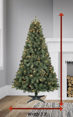 6ft Christmas tree with lights built in for Sale in Hanford, CA