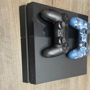 Used PS4 500GB 2 Controllers, 4 Games *can Negotiate Price* for Sale in Miami, FL
