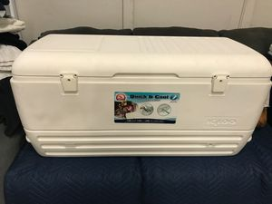 Cooler Igloo 150 Quarts Quick & Cool 7 day for Sale in Portland, OR