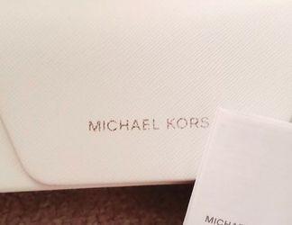 Free NEW MK SUNGLASS CASE! Authentic MICHAEL KORS SATCHEL for Sale in Murfreesboro,  TN