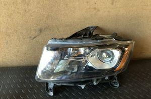 Pair of Jeep Grand Cherokee WK2 Halogen headlights for Sale in Shrewsbury, MA