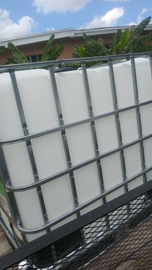 275 gallon tanks for Sale in Miami, FL