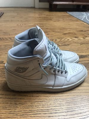 Nike Air Jordan 1 Mid White Wolf Grey Size 10 for Sale in Issaquah, WA