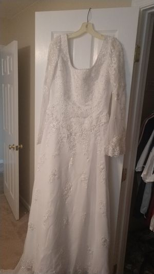 Wedding dress for Sale in Chester, VA