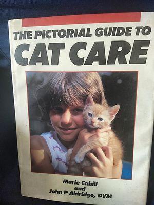 """15"""" x 11"""" Cat care book - very good condition for Sale in Marietta, GA"""