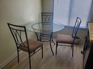 Kitchen dining table and chairs for Sale in Piedmont, CA