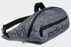 Adidas Waist Pack Bag / New With Tag / Pick-up in Cedar Hill / Shipping Available for Sale in Cedar Hill, TX