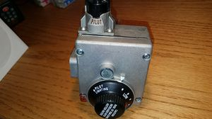 Water heater valve RHEEM AP14270Q Gas thermostat for Sale in Portland, OR